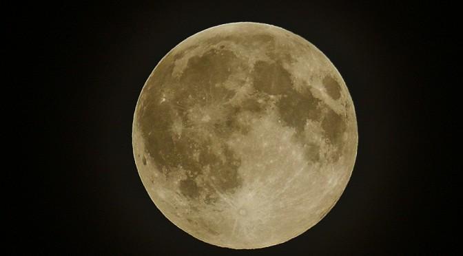 ライトワーカーのためのスピリチュアル・アウェイクニングQ&A 満月のエネルギーと引き寄せの法則