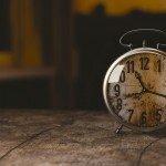 同じ時間に目が覚める 身体からのスピリチュアルなメッセージと時間帯の関係